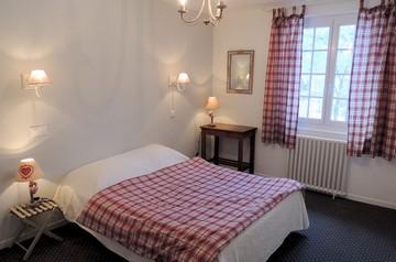 Chambres hôtel du Plomb du Cantal